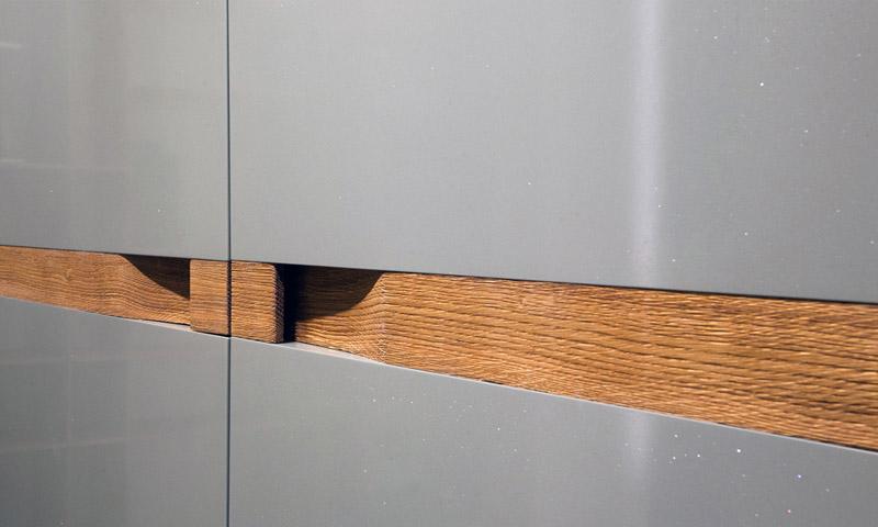 Розсувна система для дерев'яних дверей